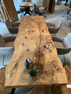 Massivholztische Esstische Dinningtable Unique wooden table made from a tree disc, glued by Holzwerk Diy Furniture Table, Paint Furniture, Furniture Makeover, Home Furniture, Furniture Design, Furniture Projects, Wood Table Design, Dining Room Design, Dining Room Table