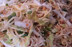"Salat – man sagt dazu ""Friß dich dumm Salat"", ein gutes Rezept aus der Kategori… Salad – they say ""eat stupid salad"", a good recipe from the category vegetarian. Dip Recipes, Copycat Recipes, Grilling Recipes, Salad Recipes, Chef Salad, Party Buffet, Good Food, Food And Drink, Veggies"