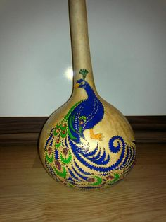 Artículos similares a Handcrafted Gourd Lamp with peacock Pattern en Etsy Decorative Gourds, Hand Painted Gourds, Gourds Birdhouse, Wine Bottle Corks, Gourd Lamp, Peacock Pattern, Pumpkin Crafts, Nature Crafts, Etsy