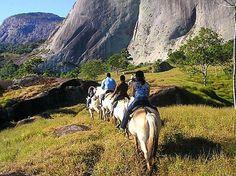 É possível explorar a região da Pedra Azul a cavalo-Domingos Martins-ES-Brasil