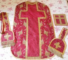 ANTIQUE FRENCH 18TH-CENTURY RELIGIOUS CHASUBLE STOLE VEIL BOURSE 17TH-C TRIM