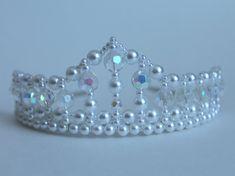 Bonita perla y cristal flor niña diadema por CreativeCalling1