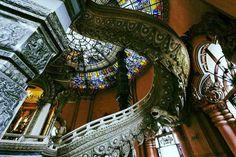 Interiors of Erawan Museum| © Ddalbiez/WikiCommons