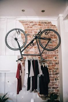 clothes-hanger-bicycle-rack - How to upcycle your old bicycle - Hanging Bike Rack, Bicycle Rack, Old Bicycle, Bike Hanger, Hanger Rack, Coat Hanger, Bicycle Shop, Pimp Your Bike, Range Velo