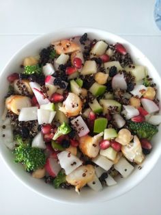 Prawn, apple, fennel, broccoli,  raddish, chickpea, dried currants and quinoa