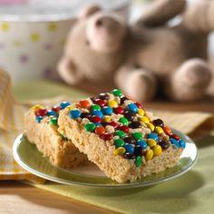 Upside-Down Confetti Treats™ – Al voltear la cacerola te encontrarás con una deliciosa sorpresa –chocolates de colores cubren a estos Rice Krispies Treats®.