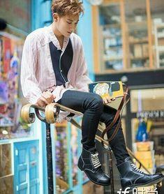 Chanyeol, Tao Exo, 5 Years With Exo, Chines Drama, Huang Zi Tao, Exo Lockscreen, Kim Minseok, Exo Korean, Kung Fu Panda
