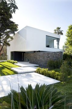 Futurist architecture! Modern Home #architecture #luxury #house #white #home
