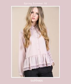 The blouse for spring – feminine details, lace and matte colors.  Refª 3293