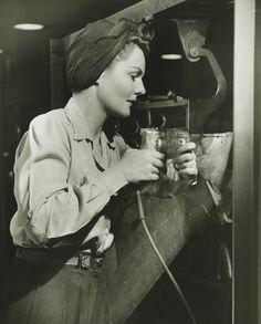 La ropa femenina en la década de 1940