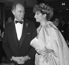 Canadian Prime Minister Pierre Trudeau smiled as he escorted Streisand to a United Jewish Appeal dinner in October 1983 honoring Streisand for her contributions to the Jewish community. The two had an affair Ugly Kids, The Boogie, Mezzo Soprano, Odd Couples, George Carlin, Canadian History, People Of Interest, Barbra Streisand, Justin Trudeau
