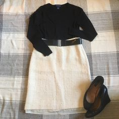 "Petite Wool Pencil Skirt Like new wool pencil skirt from Banana Republic. Material does not give so true to size. Very warm and cozy. Total length: 21"". Ask for personalized bundles with other items in listing!! Banana Republic Skirts Pencil"