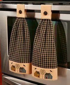 Kitchen Towels Black Primitive House Theme Hanging Kitchen Towel Set of 2 Cotton Button Closure Kitchen Towels Hanging, Hanging Towels, Diy Kitchen, Kitchen Decor, Kitchen Ideas, Rustic Kitchen, Cheap Kitchen, Design Kitchen, Distressed Kitchen