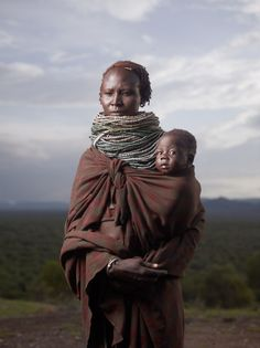 Afrika A Mother's love....... Repinned from Carmen Renee Ireland