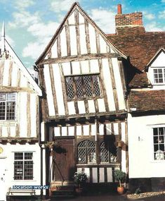[Mediaeval Suffolk Wool Town, with ancient Guildhall] – architecture Unusual Buildings, Ancient Buildings, Interesting Buildings, Old Buildings, Beautiful Buildings, Medieval Houses, Medieval World, Medieval Town, British Architecture