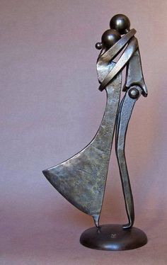 French sculptor Jean-Pierre Augier, was born in Nice, he lives and works in Saint-Antoine-de-Siga, between Levens and Saint-Blaise (Alpes-Maritimes, France). Metal Sculpture Artists, Steel Sculpture, Art Sculptures, Abstract Sculpture, Bronze Sculpture, Metal Welding, Welding Art, Arc Welding, Welding Tips