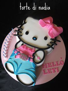 This site is dedicated to Hello Kitty fans that love to play free online Hello Kitty games. Our mission is to provide the largest quantity and best quality Hello Kitty content available online. Torta Hello Kitty, Chat Hello Kitty, Hello Kitty Birthday, Pretty Cakes, Cute Cakes, Beautiful Cakes, Amazing Cakes, Anniversaire Hello Kitty, Character Cakes