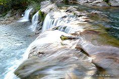 Los ríos de Galicia son parte de la densa hidrografía de Galicia. Su gran densidad hace que Galicia sea calificada constantemente como la tierra de los mil ríos, en palabras de Otero Pedrayo,  la mayoría de los cursos  a causa de su escaso caudal, no son navegables excepto el río Miño en su desembocadura, en los numerosos embalses  y en los cursos bajos de algunos ríos, en los que se celebran regatas.