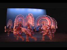 Ballet Folklorico de Mexico de Amalia Hernandez by pUholl. Hermana de un Gran ArQ, Agustin Hernandes - la Casa en el Aire.