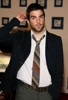 Zachary Quinto Photos - Actor Zachary Quinto arrives at the Annual General Motors TEN event at Paramount Studios on February 2007 in Los Angeles, California. Zachary Quinto, Event Photos, Men's Grooming, General Motors, Complete Outfits, Good Looking Men, Gorgeous Men, Beautiful People, Sport Coat
