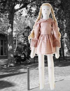 poupée lin Bertille www.lestoilesblanches.com