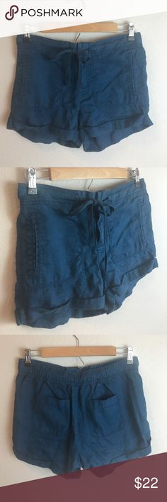 "Lou & Grey Blue Shorts 100% linen blue shorts. False pockets in the front.  Length is app 11"". Inseam is app 3"" Lou & Grey Shorts"