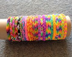 LOOM BANDS! #loombands #loomband #neon #colors #colours #rainbow #bracelets #fishtail #braid #plat #jewellery #diy #design #rainbowloom #rubber #blastic #bands #bandz #band #red #blue #yellow #green #orange #pink #purple #white #black #New #Inspire #Bracelet - #Reversible - #Rainbow #Loom, #Bandaloom, #WonderLoom, #CrazyLoom