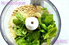 Pesto di basilico alla genovese #pesto #basilico #pinoli #pecorino #parmigiano #aglio #genova #liguria #basil #garlic #pinenuts #garlic #italiantradition