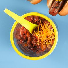 BBQ Chili - ready in only 25 minutes, makes the perfect addition to hot dogs or even burgers! Beef Barbecue, Barbecue Recipes, Barbecue Sauce, Bbq Chili Recipe, Chili Recipes, Large Bbq, Gluten Free Soup, Cookout Food, Hot Dog Recipes