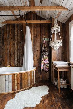 39 Simple Wooden Bathroom Design - Modern Home Design Scandinavian Interior Design, Scandinavian Home, Rustic Wooden Bed, Rustic Home Interiors, Wooden Bathroom, Home Design, Design Homes, Design Ideas, Cabin Design