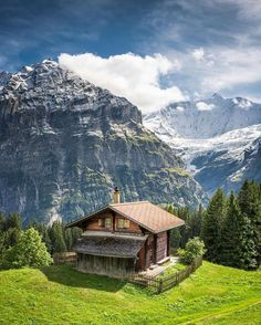 Dieter on Berge in 2019 Peaceful Places, Beautiful Places To Travel, Wonderful Places, Cabins And Cottages, Log Cabins, Cabins In The Woods, Vacation Trips, Beautiful Landscapes, Nature Photography