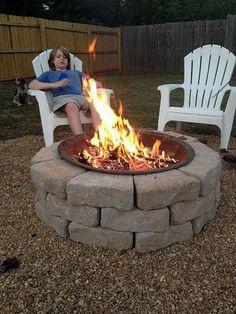 Make an Inexpensive Backyard Fire Pit backyard fire pit build inexpensive, concrete masonry, diy, outdoor living Diy Fire Pit, Fire Pit Backyard, Cheap Fire Pit, Parrilla Exterior, Diy Outdoor Fireplace, Fireplace Ideas, Backyard Fireplace, Fireplace Design, Portable Fire Pits