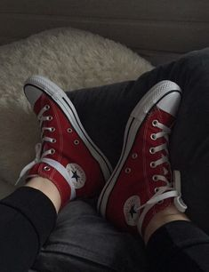 Find images and videos about bts, red and converse on We Heart It - the app to get lost in what you love. Red Converse, Outfits With Converse, Converse All Star, Converse Chuck Taylor, Aesthetic Shoes, Hype Shoes, Mode Streetwear, Grunge Outfits, Sock Shoes