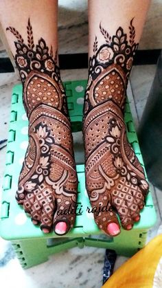 Picture from Aditis Mehendi Art Photo Gallery on WedMeGood. Browse more such photos & get inspiration for your wedding Engagement Mehndi Designs, Latest Bridal Mehndi Designs, Full Hand Mehndi Designs, Legs Mehndi Design, Indian Mehndi Designs, Mehndi Designs For Girls, Mehndi Designs 2018, Wedding Mehndi Designs, Mehndi Design Pictures