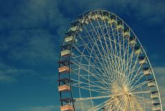 La grande roue est bien sûr le manège incontournable des fêtes foraines 2013 à Paris, à ne pas manquer pour la vue qu'elle offre