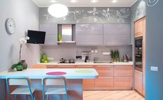 Art deco kitchen design ideas with grey cabinets. Modern Grey Kitchen, Purple Kitchen, Grey Kitchens, Minimalist Kitchen, Cool Kitchens, Cocina Art Deco, Art Deco Kitchen, Kitchen Decor, Nice Kitchen