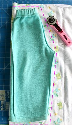 Sew Delicious: Quick & Easy Kids Pants - Tutorial- took me less than an hour to make a pair - make a few pairs (shorts, too!) and figure out a way to make them cloth diaper friendly! Sew Delicious: Quick & Easy Kids Pants - tutorial-gonna try this tutoria Sewing Pants, Sewing Clothes, Diy Clothes, Free Clothes, Sewing Projects For Beginners, Sewing Tutorials, Sewing Patterns, Sewing Tips, Tutorial Sewing