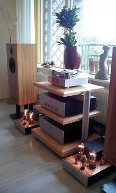 Audio Note with style, Stereo Passion International Fi Car Audio, Hifi Audio, Audio Stand, Floor Speakers, Sound Room, Stereo Turntable, Audio Rack, Audio Design, Technology Design
