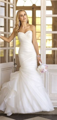 Organza Sweetheart Trumpet Lace-up Natural Waist Wedding Dress