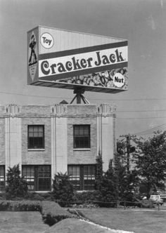 Cracker Jack Company Plant, Peoria and Harrison (or and Cicero?) Chicago, I remember driving past it on my way to the Sears Warehouse when I was a kid. The whole neighborhood smelled so good! Chicago Area, Chicago Illinois, Chicago City, Old Photos, Vintage Photos, Cracker Jacks, My Kind Of Town, Roadside Attractions, Wayfarer