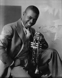 - Autographed given to - Handwritten on front *Hello 'Hoagy,' you 'rascal.' From Louis Armstrong - African American Artist, American Artists, History Of Photography, Vintage Photography, New Artists, Music Artists, Hoagy Carmichael, Art Of Noise, Louis Armstrong