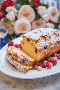 French Yogurt Cake {The Easiest Cake in The World!} - The Londoner French Yogurt Cake {The Easiest Cake in The World!} – The Londoner French Yogurt Recipe, French Yogurt Cake, French Cake, French Food, Desserts Français, French Desserts, Delicious Desserts, Sweet Desserts, Healthy Cake