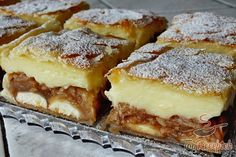 Apple pudding cake with puff pastry Top-Rezepte.de - Apple pudding cake with puff pastry Top-Rezepte. Pudding Desserts, Pudding Cake, Puff Pastry Recipes, Ice Cream Recipes, Apple Recipes, Snack Recipes, Snacks, Brownie Bites Recipe, Most Delicious Recipe