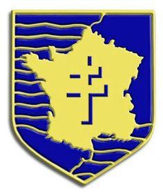 2ª División Blindada Francesa2e Division Blindée o 2e DB):   División acorazada de laFrancia Libre, formada en elNorte de Áfricapor un heterogéneo contingente de franceses, argelinos, marroquís y demás nativos de las colonias africanas francesas, más un nutrido grupo de ex-combatientes republicanos españoles. Comandada por el famosoGeneralLeclerc, desembarcó enUtah Beachel 1 deagostode 1945 y entró en acción en los combates en la zona deArgentan-Falaise, para después participar en…