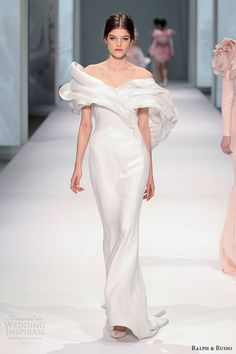 Love this collection. Fabulously feminine wedding gown. Ralph & Russo Spring 2015 Couture Collection   Wedding Inspirasi