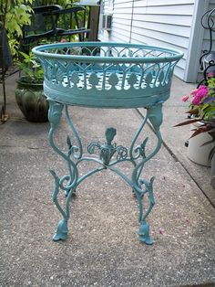 Antique Oval Plant Stand In Wrought Iron The Garden Pinterest Gardens Stands And Ornaments