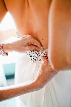Detail .... Ladies, always let your mother be the one who does the finishing touches to your dress.