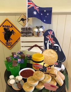 Australia Cake, Australia Crafts, Australian Party, Australian Food, Australia Day Celebrations, Platter Board, Aus Day, Leaving Party, Australian Aboriginals