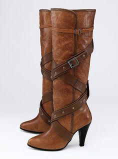 Cute cute boots my-style Alexander Mcqueen Shoes, Colin Stuart, Cute Boots, Sexy Boots, Brown Boots, Cognac Boots, Fashion Shoes, Girl Fashion, Me Too Shoes