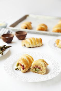 Roasted Asparagus and Prosciutto Croissants
